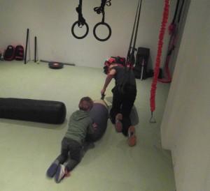 Vader en zoon bij Sta Vast Training in Bussum het uithoudingsvermogen trainen.